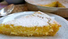 Torta al limoncello – Limoncellotaart - Lekker Tafelen Ice Cream Pies, Ice Cream Desserts, Lemon Desserts, Sweet Desserts, Sweet Recipes, Food Cakes, Cupcake Cakes, Limoncello, Italy Food