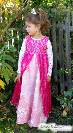 Meine Prinzessin hatte sich unbedingt ein langes Kleid gewünscht, also gut. Der Schnitt ist von Burda und völlig Prinzessintauglich. Mehr auf: http://liebste-schwester.blogspot.de/2016/01/ein-prinzessinkleid-ratz-fatz-genaht.html