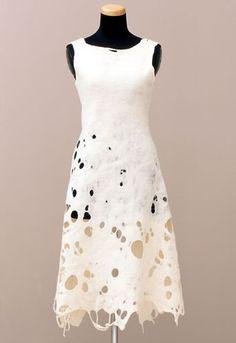 A-Z Fiber Form: White Dress. Designed and made by Andrea Zittel. United States, Wool and two skirt pins. Fashion Art, Fashion Design, Nuno Felting, Handmade Felt, Felt Art, Mode Style, Mode Inspiration, Felt Crafts, Wool Felt