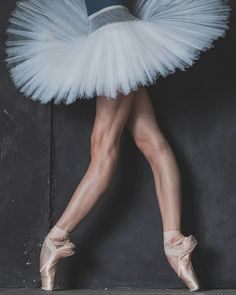 Ballet 24/7 is currently the state of my soul ❤ It seems that it's injected in my thoughts Well, I don't mind Photo by Katya Kravtsova #mariakhoreva