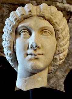 Head of Julia Domna stolen from Hadrian's Villa has been returned to Italy