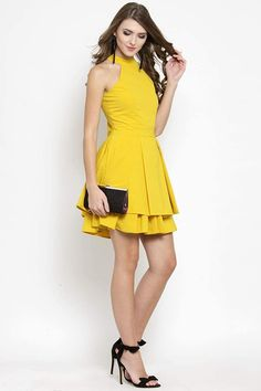 The dress is so pretty and material is so good,it's awesome and adorable dress. #yellow #dress Dresses For Sale, Dresses Online, Dress Brokat, Dress Hire, Western Dresses, Western Outfits, Party Wear Dresses, Fit Flare Dress, Clothes For Women
