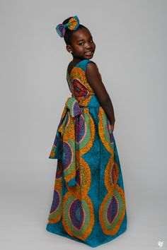 Everyone loves to look Fabulous, and this Ankara designs by ÖFUURË is giving us many reasons to fall in love with Ankara all over again. Because of its versatility and… African children's fashion Ankara Styles For Kids, African Dresses For Kids, African Children, African Girl, African Inspired Fashion, African Print Fashion, Africa Fashion, African Fashion Dresses, Ankara Designs
