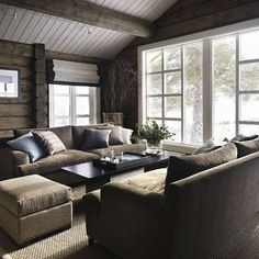 Love the furniture arrangement by the big window Chalet Interior, Interior Design Living Room, Kitchen Interior, Cabin Homes, Log Homes, My Living Room, Living Spaces, Cozy Living, Modern Log Cabins