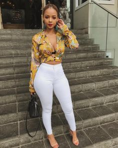 Fall In Love With 41 Of The Best Spring Fashion Outfits we have chosen the newest fashion clothes fo New Fashion Clothes, Spring Fashion Outfits, Look Fashion, Girl Fashion, Womens Fashion, Fashion 2018, Curvy Fashion, Fashion Boots, Fashion Trends