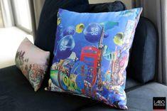 Impression sur coussin pour l'artiste Simone Monney.