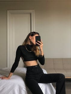 outfits i love Warm Outfits, Trendy Outfits, Fashion Outfits, Casual Street Style, Street Style Women, Kendall Jenner, Edgy Chic, Instagram Fashion, Style Guides