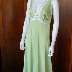 Vintage Vanity Fair Long Nightgown Light Green Lace Trim Lingerie Empire  Waist Summer Sleepwear Floor Length Sheer Intimate Gown Honeymoon 0cde12502