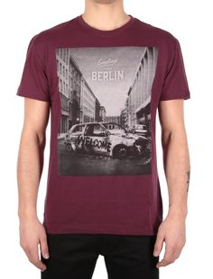 Greetings Tee [maroon mel.] // IRIEDAILY Spring Summer 2015 Collection! - OUT NOW! // TEES & TANKS - MEN: http://www.iriedaily.de/men-id/men-tees/ // LOOKBOOK: http://www.iriedaily.de/blog/lookbook/iriedaily-spring-summer-2015/ #iriedaily