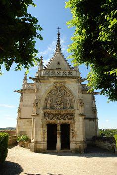 Chapel with Leonardo da Vinci tomb