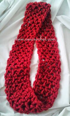 free quick and easy crochet infinity scarf pattern Crochet Infinity Scarf Pattern, Crochet Scarf Easy, Quick Crochet, Diy Scarf, Crochet Mittens, Crochet Scarves, Crochet Shawl, Crochet Yarn, Free Crochet