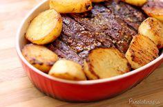Pense numa carne saborosa e fácil de fazer! Pense! Se você não encontrar fraldinha, pode usar maminha que também fica uma delícia. Essas batatas douradíssimas são o resultado de um truque MAR…