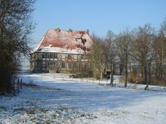 Panoramio - Photo of Zernikow, Gutshaus (Jan. 2014), ein Baudenkmal verfällt