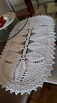 Crochet doily Step by step Tutorial Crochet Table Topper, Crochet Table Runner Pattern, Crochet Doily Patterns, Crochet Tablecloth, Thread Crochet, Filet Crochet, Crochet Doilies, Crochet Stitches, Crochet Round