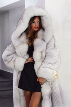 FL hooded blue fox fur coat