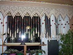 Вязание крючком - Штора для кухни Crochet Home, Crochet Crafts, Crochet Projects, Thread Crochet, Filet Crochet, Crochet Curtains, Macrame Curtain, Flower Quilts, Macrame Art