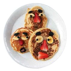 Pancakes that have faces.