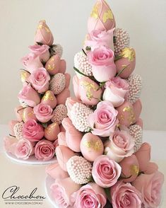 Pastell Party, Deco Baby Shower, Strawberry Tower, Chocolate Dipped Strawberries, Candy Table, Homemade Chocolate, Cake Pops, Pink And Gold, Party Time