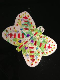 Crafty butterfly. Toddler Arts and Crafts