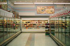 whowasphoone: centipeetle:  retropopcult:  Grocery store after...