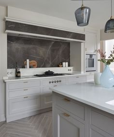 Our kitchen showroom in Surrey is located in the heart of Esher. Inside, our kitchens are displayed in stunning room sets. Visit our Esher showroom in Surrey. Luxury Kitchen Design, Kitchen Designs, Kitchen Ideas, Kitchen Renovations, Kitchen Remodel, Beautiful Interiors, Beautiful Homes, Martin Moore Kitchens, Alcove Storage