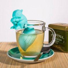 Das Eichhörnchen Tee-Ei ist ein praktisches und witziges Geschenk für Teetrinker. Schenke es deiner Schwester, Mutter oder Freundin. Das Teegeschenk.