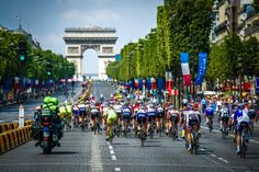 This iconic view up the Champs-Elysées that many have become accustomed to during the Tour de France finale became the setting for the women's return to bike racing in Paris. Photo: BrakeThrough Media   brakethroughmedia.com