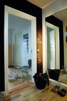 Beautiful entrance, love the chalkboard painted wall!