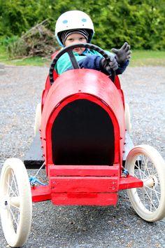 Moro, että on hieno mäkiauto! Soapbox car.