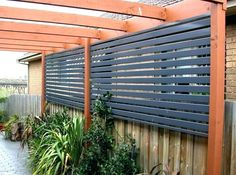 Enjoy your relaxing moment in your backyard, with these remarkable garden screening ideas. Garden screening would make your backyard to be comfortable because you'll get more privacy. Diy Fence, Backyard Fences, Backyard Landscaping, Fence Ideas, Pergola Ideas, Pergola Kits, Backyard Ideas, Garden Ideas, Landscaping Ideas