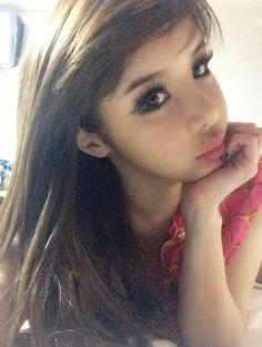 2NE1's Park Bom Shows Off Her Baby-Faced Beauty in Japan - Soompi