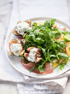 Goat Cheese Stuffed Fig, Melon and Prosciutto Salad Gluten Free Recipes, Healthy Recipes, Deliciously Ella, Savory Salads, Prosciutto, Healthy Eating, Healthy Food, Goat Cheese, Soul Food