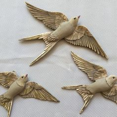 Clay Birds, Ceramic Birds, Ceramic Animals, Ceramic Pottery, Pottery Art, Bird Sculpture, Animal Sculptures, Ceramic Painting, Ceramic Art
