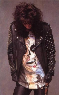 Alice Cooper. I want this shirt!