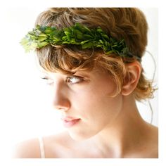 For a woodland bride. Natural boxwood tiara by whichgoose on Etsy. $50.00.