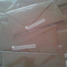 Mais uma entrega de convites!!! Modelo rústico, by Mão de Anjo