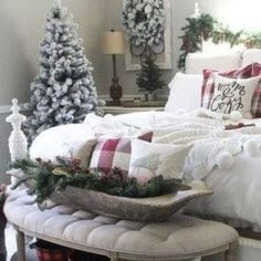 43 Classy Christmas Bedroom Decorations Ideas - My Design Fulltimetraveler Master Bedroom, Bedroom Decor, Small Workspace, Classy Christmas, Christmas Bedroom, Colorful Pillows, Simple Elegance, Neutral Colors, Holiday Decor