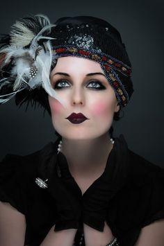 Vintage makeup gatsby make up 39 super Ideas Vintage Makeup, 1920 Makeup, Flapper Makeup, Great Gatsby Makeup, Retro Makeup, Flapper Costume, 1920s Makeup Gatsby, Anos 20s, Roaring 20s Makeup