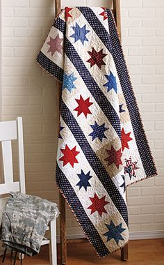 This patriotic, fat-quarter friendly quilt is featured in the September/October '13 issue of Love of Quilting. Quilt by Marianne Fons.