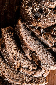 Easy Braided Whole Wheat Bread  GET IN MAH BELLY! Easy Braided Whole Wheat Bread Wheat Pizza Dough, Easy Pizza Dough, Whole Wheat Pizza, Knead Bread Recipe, Naan Recipe, Fresh Cake, Fresh Bread, Summer Savory, Easy Bread Recipes