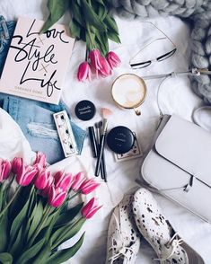 New post on vogueistic Mobile Wallpaper, Iphone Wallpaper, Girly M, Summer Wallpaper, Girly Pictures, Makeup Brands, Cute Wallpapers, Desktop Wallpapers, My Coffee