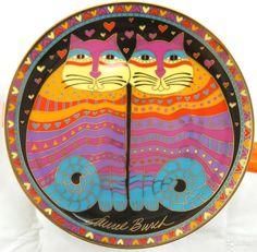 """Тарелка под названием """"Дружелюбные Кошки"""" - Диаметр - около 21 см. - Тарелка - из ограниченной серии от Художницы Лорель Бёрч (LAUREL BURCH). - Номер тарелки - HB5785 - Год выпуска - 1995 - Производитель - Franklin Mint Heirloom"""