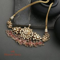 Antique Jewellery Designs, Fancy Jewellery, Handmade Jewelry Designs, Bespoke Jewellery, Jewellery Making, Antique Jewelry, Indian Jewelry Sets, Indian Wedding Jewelry, Ethnic Jewelry