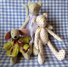 these were my very first sewing attempts, the cat and bear are from a pattern of Tone F.