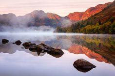 Sunrise at Llyn Crafnant, Snowdonia, Wales, UK (Photo Credit IShowerInMyPants via Flickr)