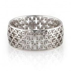 Inspired by Birks' century-old design legacy, the intricate scrollwork motif of the Birks Muse® jewellery pieces replicates the decorative grillwork found on the ceiling of the first Birks boutique on St. James Street in Montreal, Canada in 1879. From the BIRKS MUSE® SILVER Collection, this sterling silver band has the signature MUSE® mesh motif.   #BlueBox via @MaisonBirks