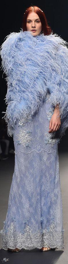 Spring 2018 RTW Joao Rolo Fashion Themes, Fashion Colours, Fashion 2018, Blue Fashion, Spring Fashion, Womens Fashion, Feather Fashion, Classy People, Periwinkle Blue