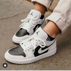 Sneakers Fashion, Sneakers Nike, Dubai, Jordan 1 Low, Sneaker Heels, Christian Louboutin Shoes, Pick One, Nike Air Force, Panda