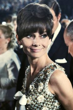 Audrey Hepburn at the 1968 Academy Awards. This Givenchy gown made exclusively for Audrey was to die for!