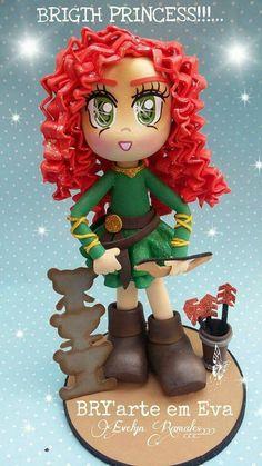 Fofucha valiente Scrapbook, Dolls, Christmas Ornaments, Disney Princess, Holiday Decor, Ideas, Merida, Craft, Witches
